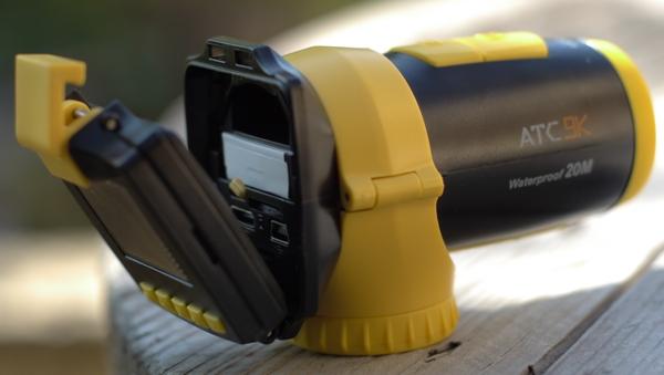 Connexions et batterie caméra embarquée HD Oregon ATC9K